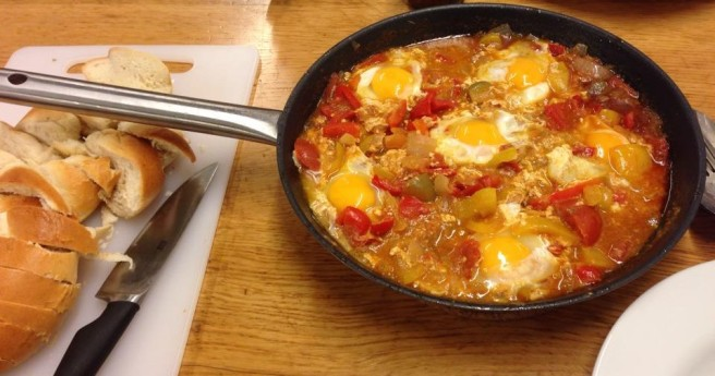 Shakshouka with bread
