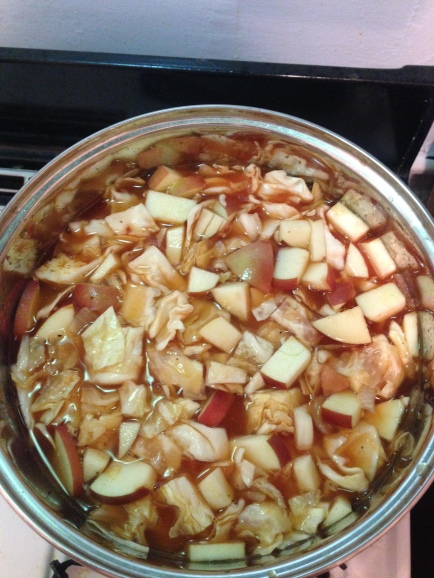 Apples and cabbage in the pot