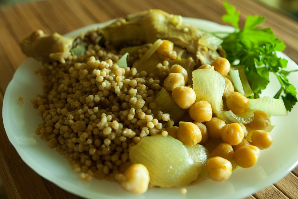 Maftoul with chicken and chickpeas
