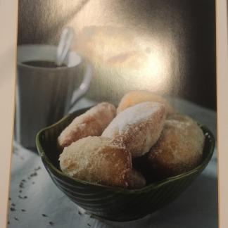 Skuinskoek or doughnuts