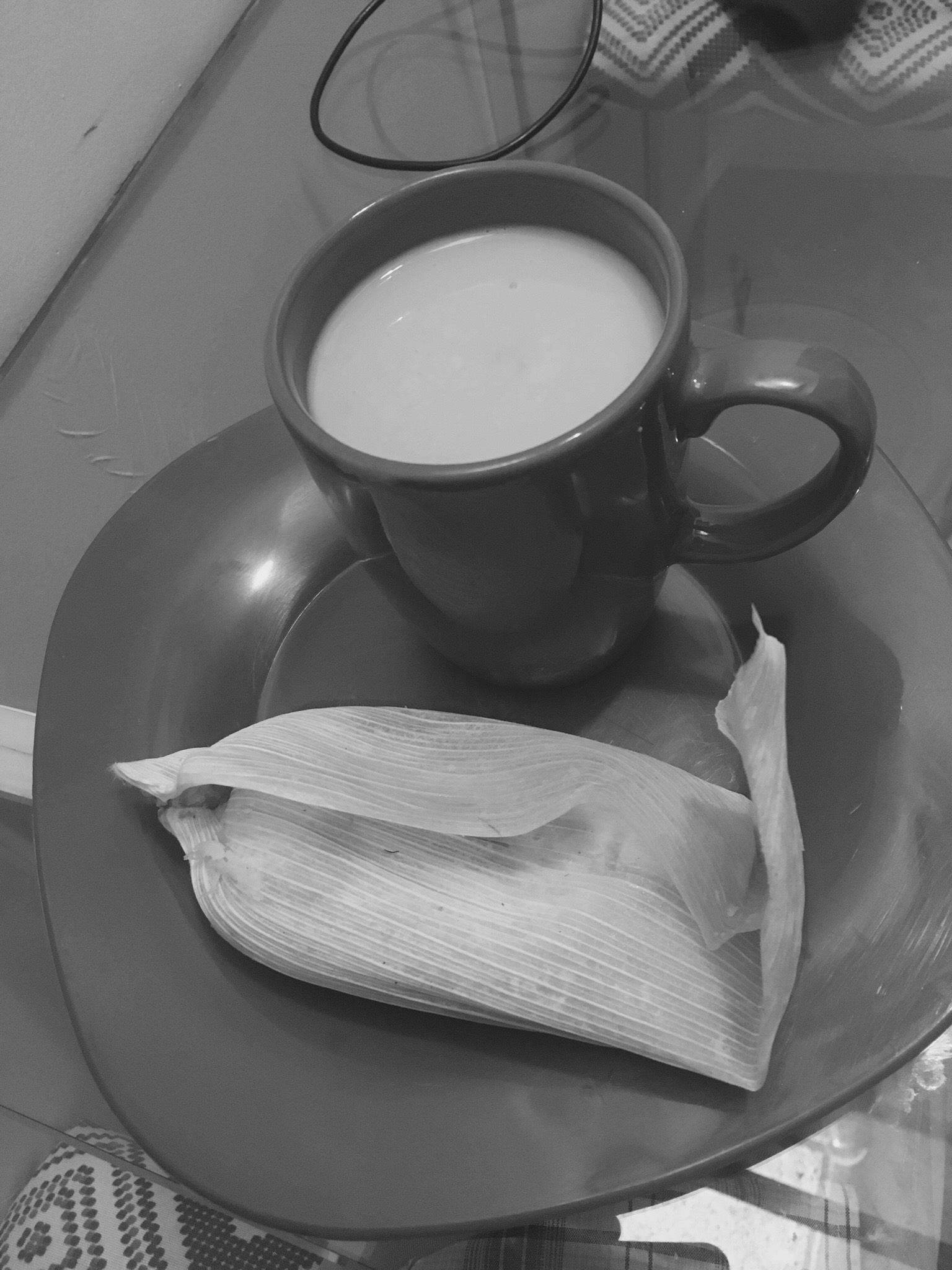 Atole and tamal - black and white